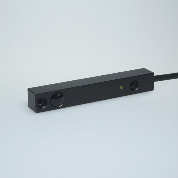Bild zeigt Sender der Bauform LLA mit Kabel
