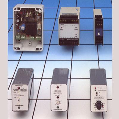 Abbildung zeigt Produkte der Kategorie Hochleistungs-Lichtschranken